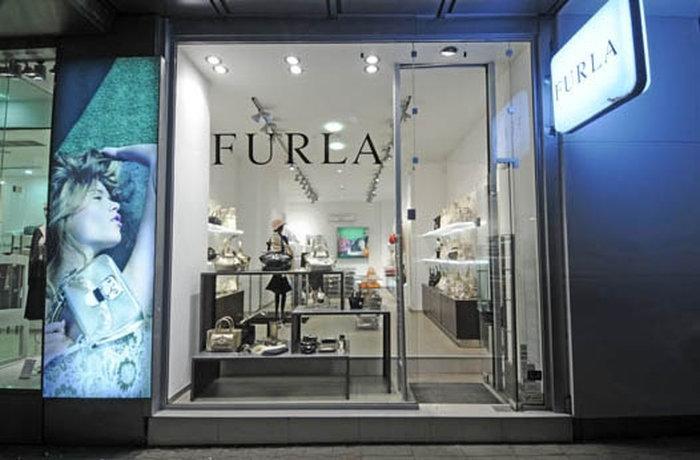 Бутик Furla в Софии