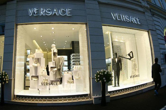 Магазин Versace на Соборной