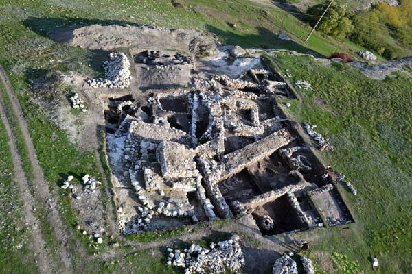 Раскопки на территории Неаполь Скифского