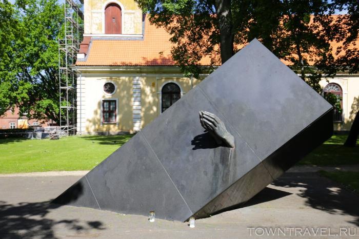 018 - Мемориал погибшим в кораблекрушении Эстония