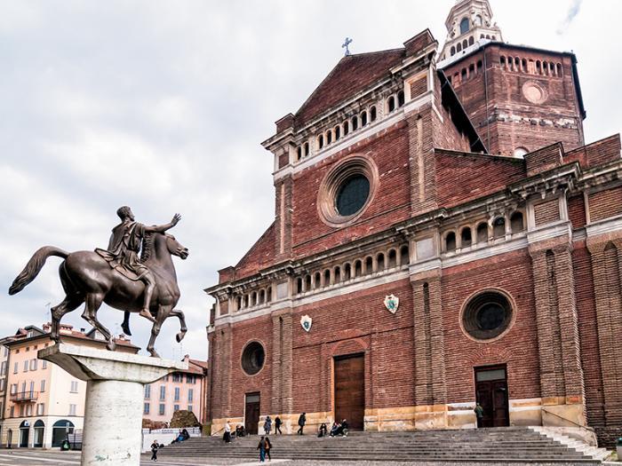 Кафедральный собор Павии (Дуомо)