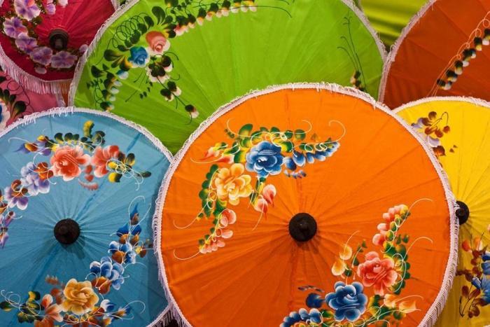 Тайские красочные зонтики, Таиланд.jpg