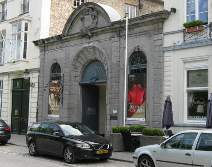 Музей Гронинге (Groeninge museum)