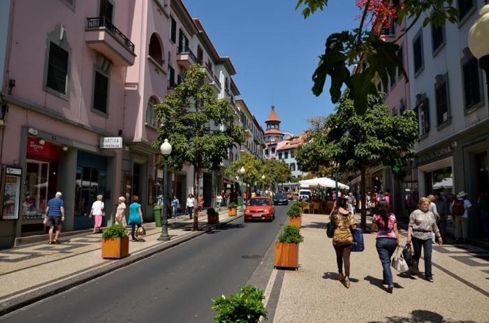 Rua Fernao de Ornelas.jpg