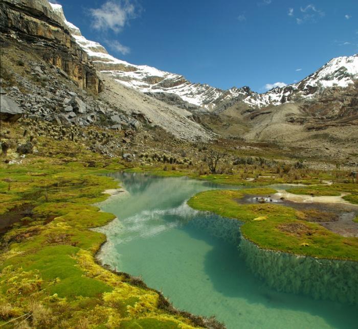 Высокогорное озеро в Андах, Колумбия.jpg