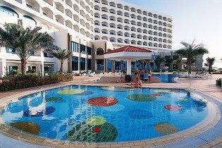 В Аджмане расположен самый шикарный в стране отель «Kempinski»
