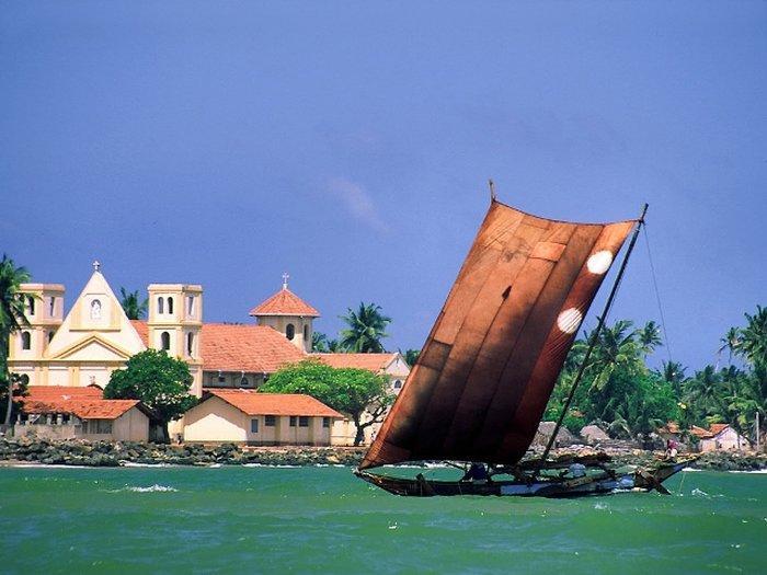 Негомбо — крупный курортный город Шри-Ланки