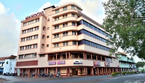 Hotel Mаndovi