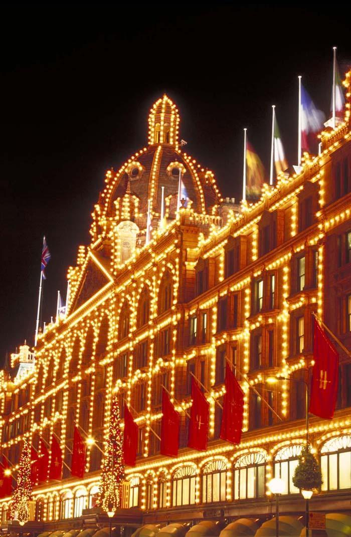 Универмаг Harrods в Рождество, Лондон, Великобритания.jpg