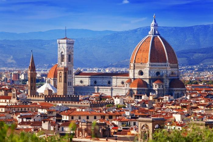 Красивый вид на Санта Мария дель Фьоре, Флоренция.jpg