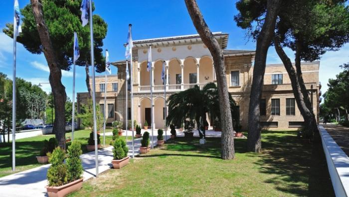 Пескара — крупный итальянский курорт, славящийся пляжами
