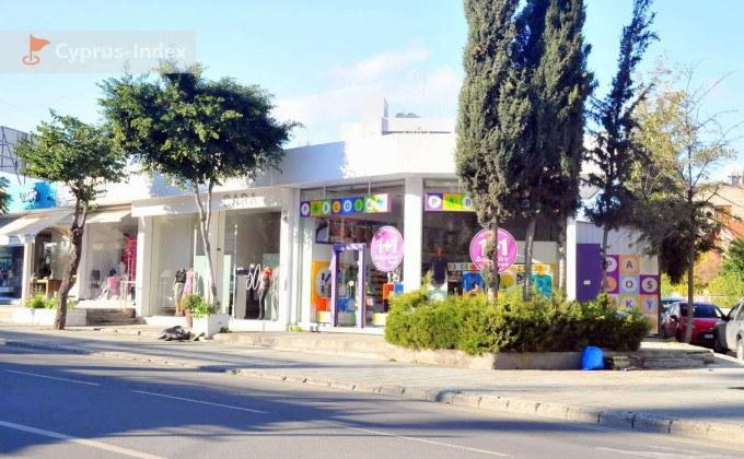 Магазины на соседних с центральной улицах, центр Лимассола, Кипр