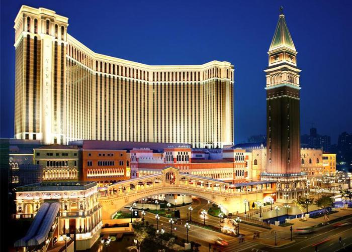 """в Макао можно побаловать себя и пожить в роскошном отеле """"Венеция"""""""