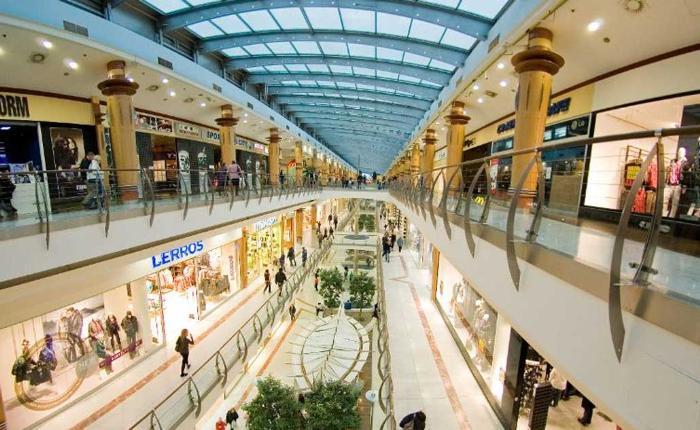 prague-novy-smichov-shopping-center-in-prague