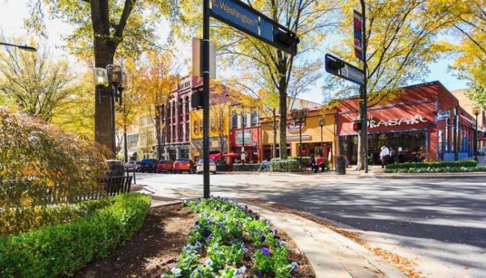 Main Street grinvil