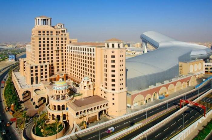 ТЦ Mall Of the Emirates с горнолыжным спуском