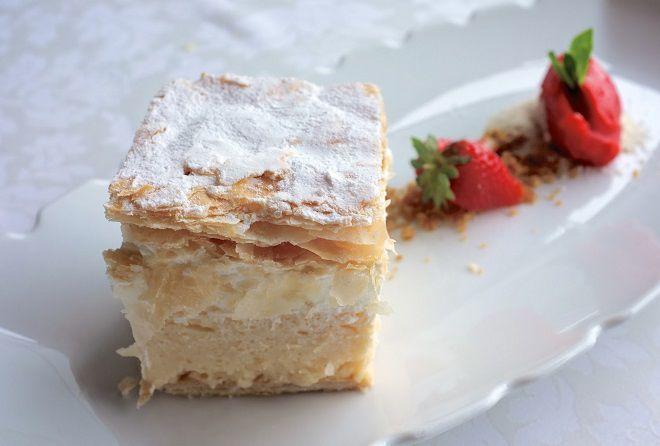 Оригинальный десерт kremna rezina