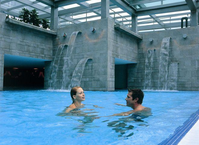 Бассейн с термальной водой в Бледе