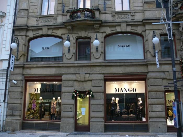 mango_ladies_clothes