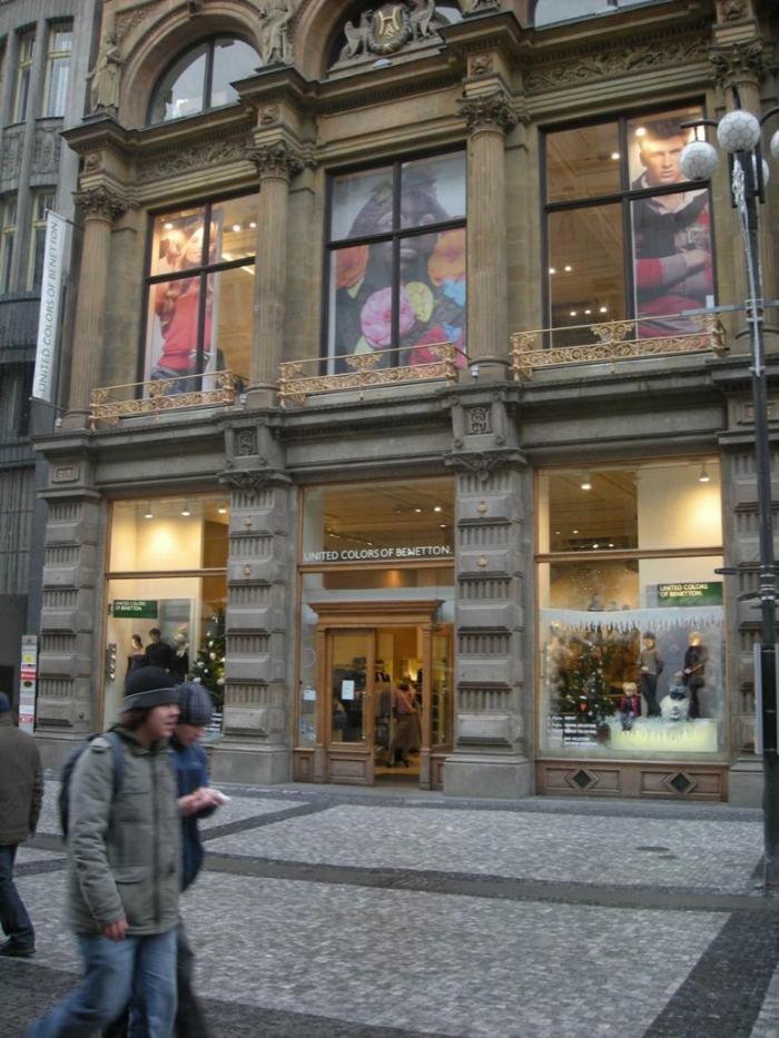 english-united-colors-benetton-store-na-prikope-street-pragu