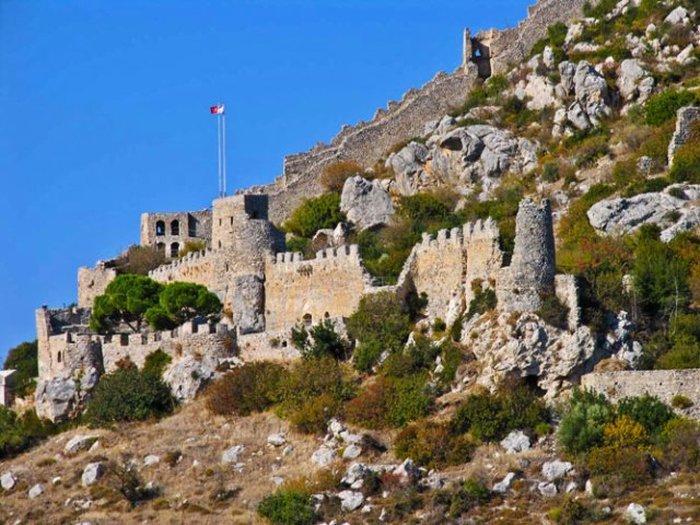 Замок Святого Иллариона (Saint Hilarion Castle)