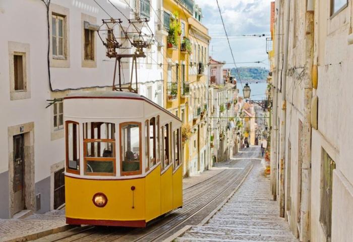 Улицы Лиссабона.jpg